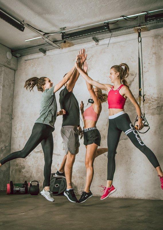 Fitness_Team_abklatschen-2