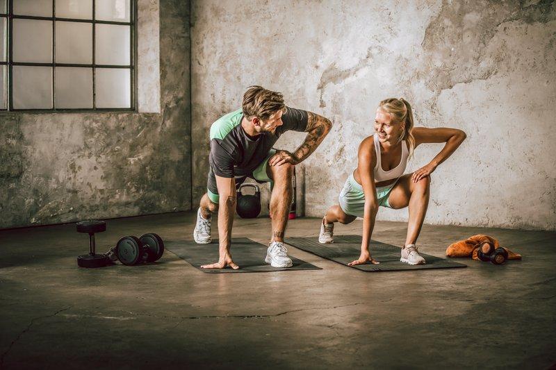 fitness_couple_dehnen-satt